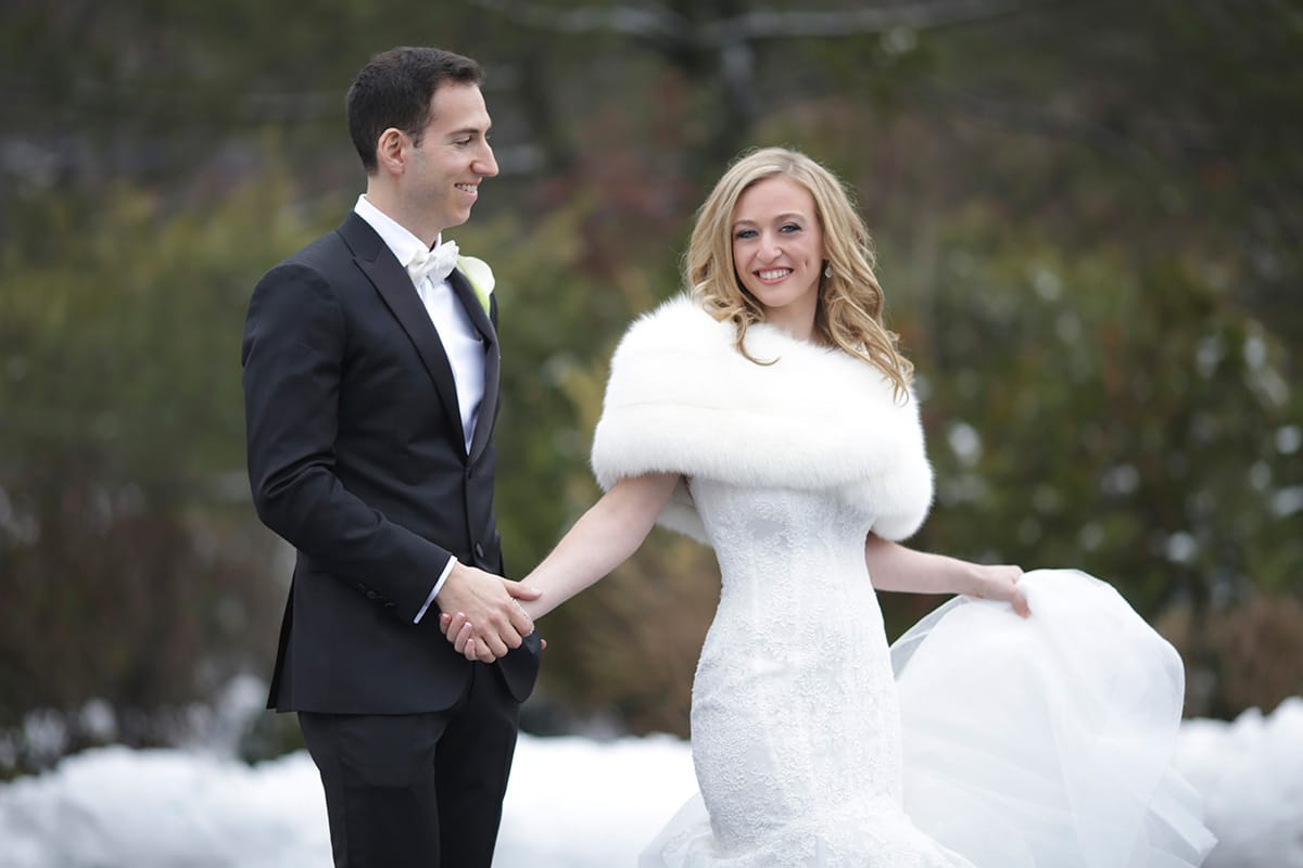 Five Tips to Have a Blast with Your Winter Wedding